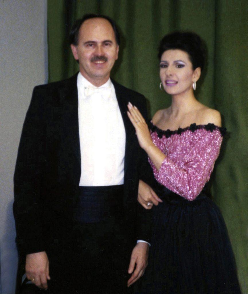 Lucia Aliberti col direttore Jesus Lopes-Cobos⚘Opera⚘_La Sonnambula_⚘Deutsche Oper⚘Berlin